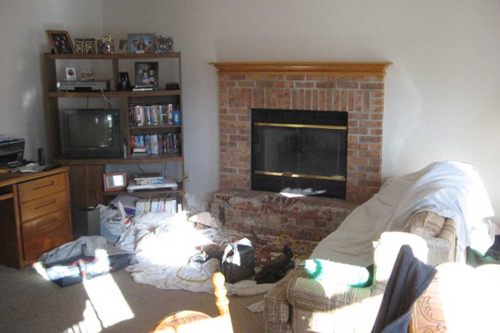 fireplace-remodeling-and-built-in-shelves_before-1