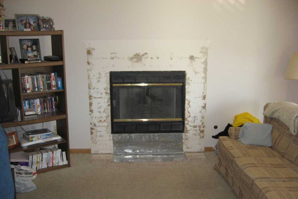 fireplace-remodeling-and-built-in-shelves_before-2